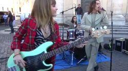 I Maneskin improvvisano un live a piazza del Popolo per presentare il nuovo