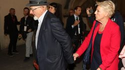 Genitori Renzi arrestati.