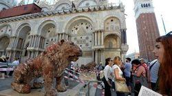 Vandalismo a Venezia: imbrattato il