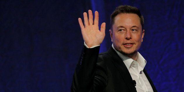 Elon Musk lascia la presidenza di