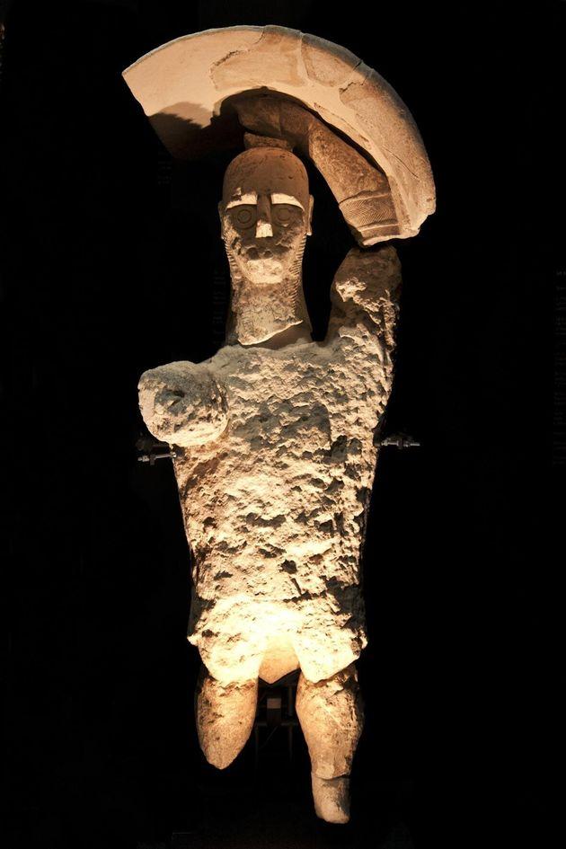 Uno dei Giganti in pietra che quaranta anni fa vennero casualmente scoperti nelle campagne del Sinis,...