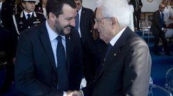 Mattarella e Salvini si stringono la mano alla festa della Polizia. Il vicepremier: