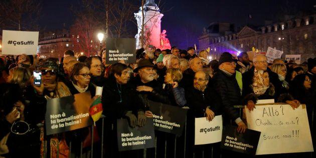 Francia in piazza contro l'ondata di antisemitismo. Dito puntato sui gilet