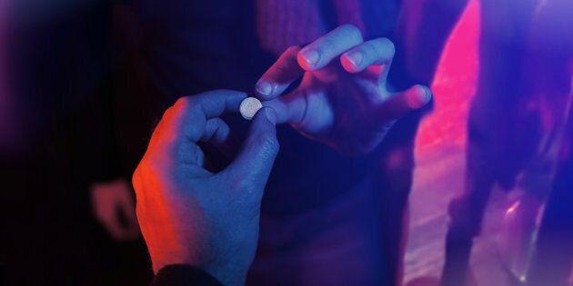 17enne in ospedale dopo aver assunto ecstasy in discoteca a Legnano, in provincia di