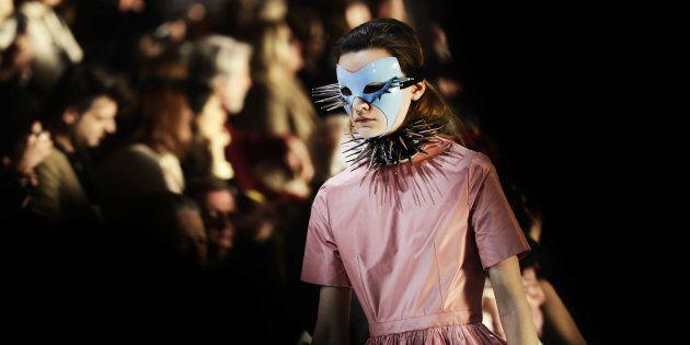 L'innovazione nella moda, le maschere di Alessandro