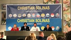Dopo l'Abruzzo, i leader del centrodestra ancora insieme a Cagliari. Siparietto Salvini-Berlusconi sulla