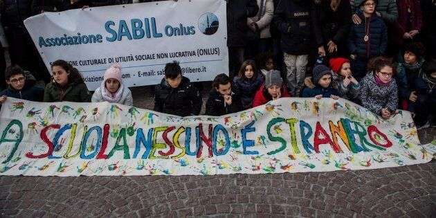 Melegnano in piazza per Bakary, al corteo antirazzista oltre 1500
