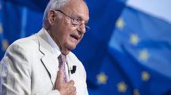 Paolo Savona da distruttore a pontiere con l'Ue. Difende la manovra, parla di