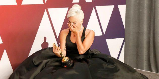 Lady Gaga vince l'oscar dello stile. Impeccabile JLo. Menzione d'onore per Irina