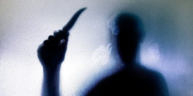 A Sassari il 23enne Nicola Della Morte è stato ucciso con una coltellata al petto. Caccia al