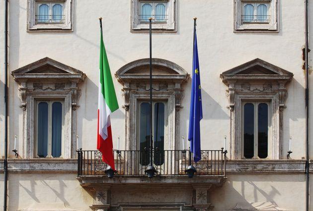 Gli italiani hanno il cuore a destra e il Governo a