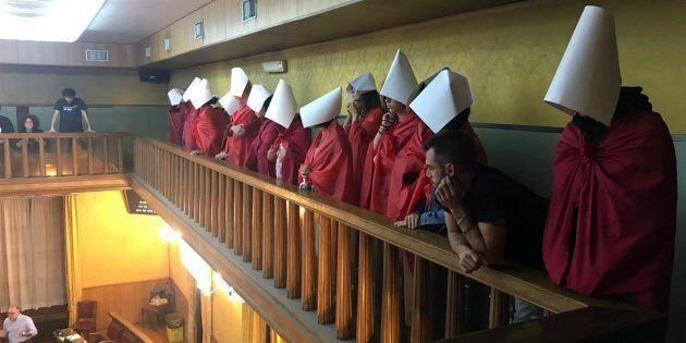Il Consiglio comunale di Verona approva una mozione contro l'aborto. Ok anche dalla capogruppo del Pd,...