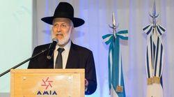 Aggredito in casa il rabbino capo d'Argentina, è gravemente ferito:
