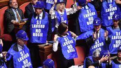Ok Senato al Decretone, passa alla camera. In Aula Casellati fatica a contenere Taverna e Forza