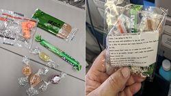 Prende l'aereo col figlio di 4 mesi: una mamma regala 200 paia di tappi per le orecchie ai