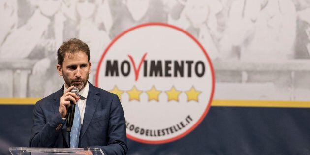 Casaleggio si prende il simbolo M5S. Il Movimento smentisce: