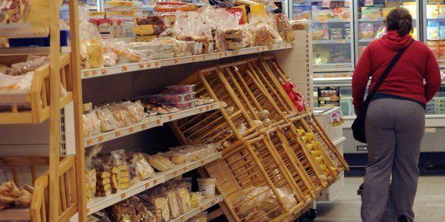 L'interno di un supermercato di Lucca (foto