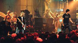Dave Grohl chiama Krist Novoselic e Pat Smear: per una notte si riuniscono i Nirvana (ma i fan cercano