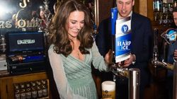 Kate si diverte a spillare birra con William e si conferma vera