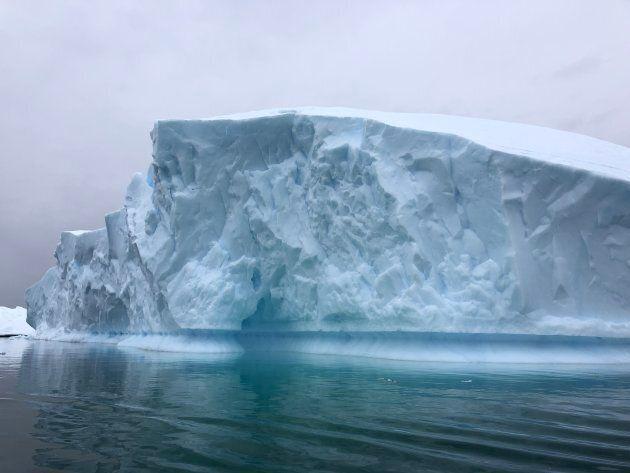 Un iceberg alla