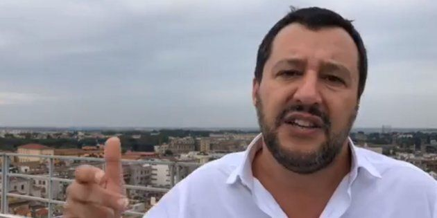 Il ministro dell'Interno, Matteo Salvini, durante un Facebook