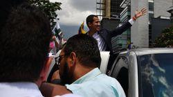 Guaidò torna a Caracas e parla alla piazza: