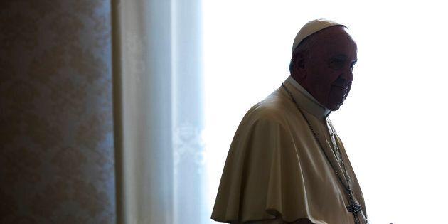 Il Papa riduce allo stato laicale due vescovi cileni accusati di