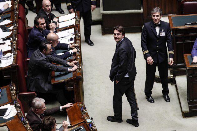 Matteo Dall'Osso, ex deputato M5s, lascia l'Aula per protesta: