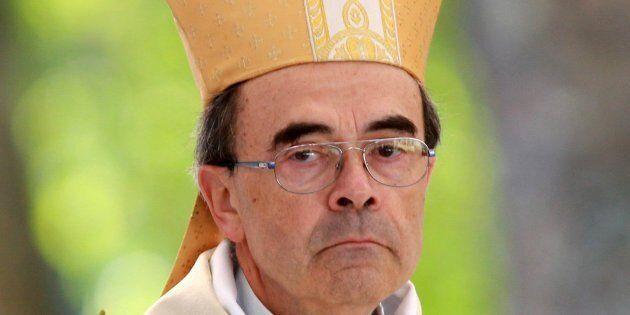 Il cardinale Philippe Barbarin, arcivescovo di Lione, condannato per aver coperto abusi sui minori, offre...