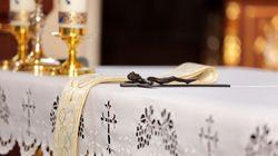 Presto diventerà papà, vescovo di Ischia sospende