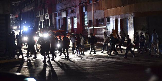Blackout in Venezuela, Nicolas Maduro accusa gli Usa di