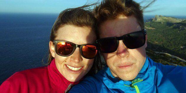 L'addio della fidanzata all'alpinista scomparso Tom Ballard:
