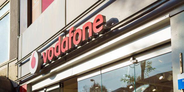 Vodafone annuncia 1130 esuberi: