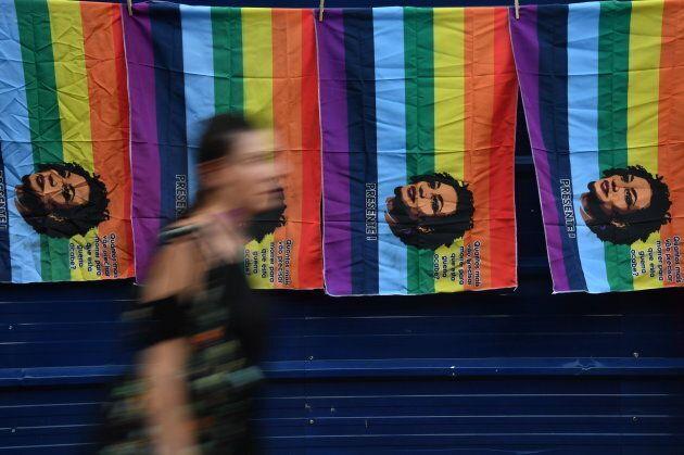 L'immagine di Marielle Franco stampata su una bandiera arcobaleno, durante la celebrazione della Festa...