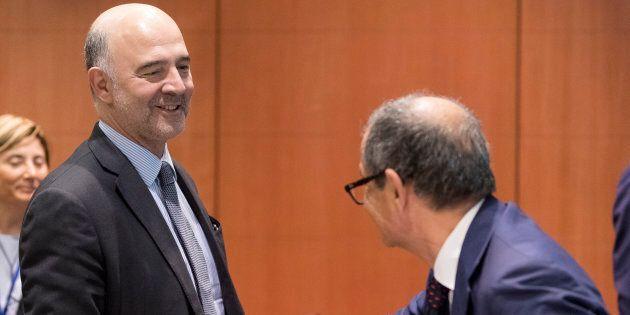 In arrivo la lettera Ue chiede chiarimenti sulla manovra. Moscovici ne parlerà con Tria e