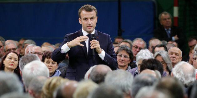 Macron fa fatica a chiudere il Gran Débat e a cambiare la Francia (con i gilet gialli ancora in