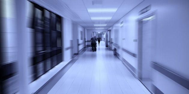 Dottoressa muore di tubercolosi a Napoli. Sospetti su un altro