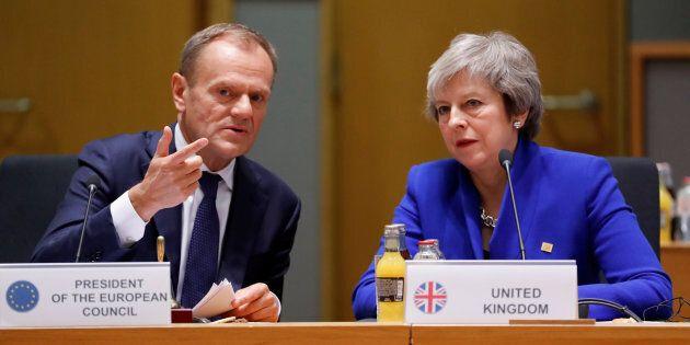 Londra vota oggi sul rinvio della Brexit. Tusk: