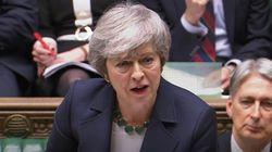 Il parlamento britannico vota a favore del rinvio della