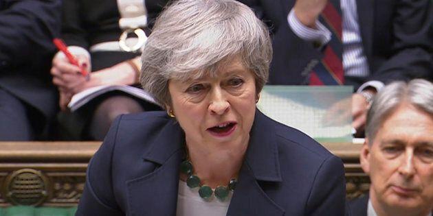 Brexit, il parlamento britannico vota a favore del