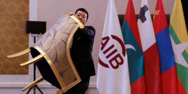 FT, Italia vuole prestiti dalla banca cinese Aiib. Proteste Usa: