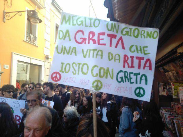 Cartello durante la manifestazione contro i cambi climatici a