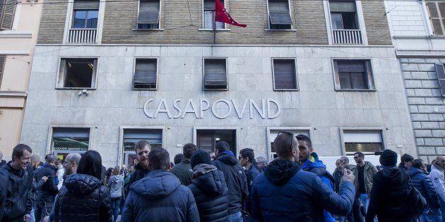 Casapound minaccia la Guardia di Finanza: