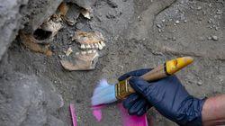 Dagli scavi di Pompei riemergono gli scheletri di 2 donne e 3 bambini. Stavano cercando di