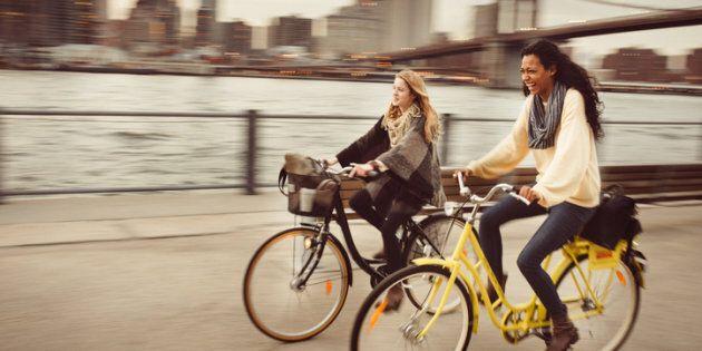 10 ragioni per cui andare in bici fa bene e rende felici | L'HuffPost