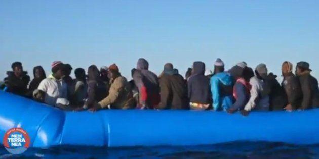 Nuova nave di profughi in arrivo sul caso