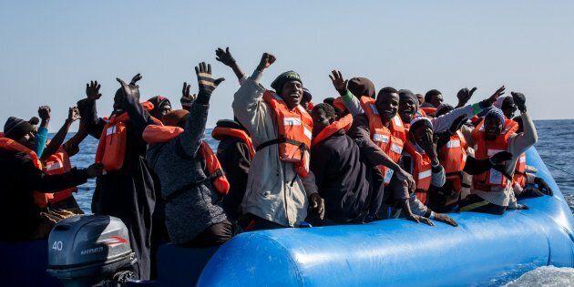 I valdesi aspettano ancora i 10 profughi della Sea Watch.