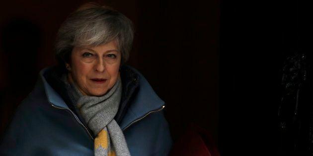 Brexit, May scriverà a Tusk per chiedere il rinvio. Stati Ue: