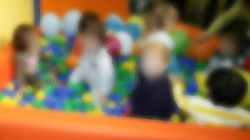 Spintoni, schiaffi e minacce ai bambini di tre anni, arrestate 4 maestre della Montessori di Capurso, nel