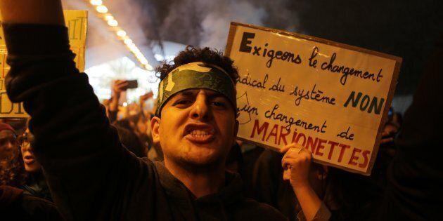 Algeria, la piazza sfida il regime nell'anniversario della fine della guerra